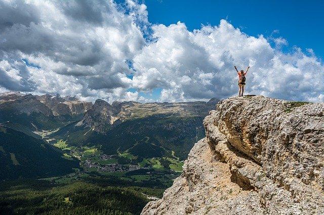Passeggiate in montagna: fanno dimagrire? Vantaggi e svantaggi per l'organismo