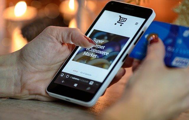 In crescita il commercio elettrico: i vantaggi di un negozio online