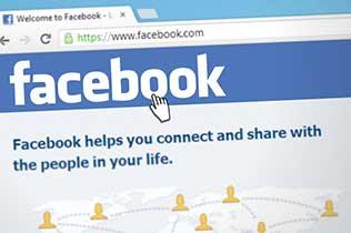 Ultimo accesso Facebook: come fare per nasconderlo?