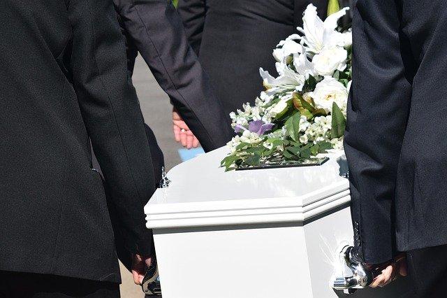 Stranezze funerarie: la nostra selezione