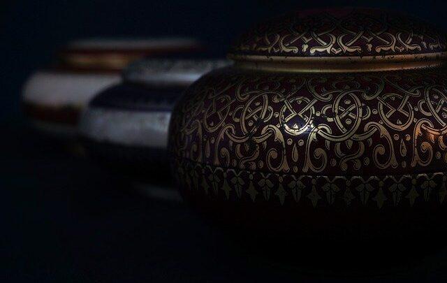Pro e contro sulla cremazione: perché fare questa scelta?