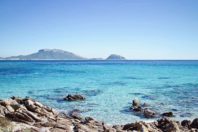 Villaggi in Sardegna sul mare: quali sono i migliori resort con servizio nave gratis