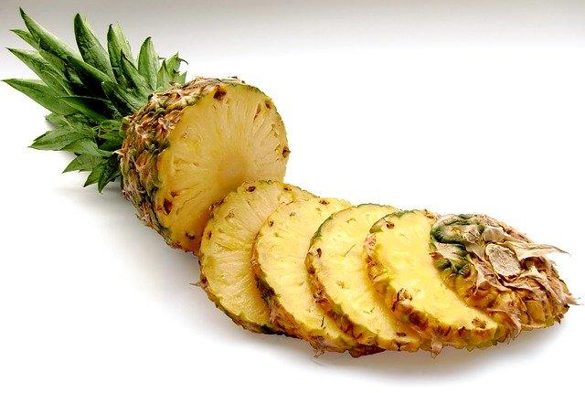 Ananas: proprietà ed effetti benefici, integratori e possibili controindicazioni
