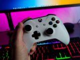 Videogiochi e tornei online, come sfidare i propri amici direttamente dal divano di casa