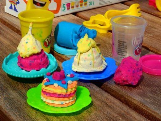 Play Doh: ecco come usare questa pasta modellabile e quanto costa.